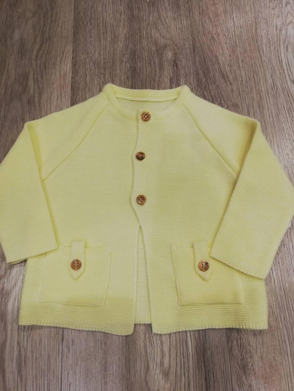 chaqueta amarilla valentina